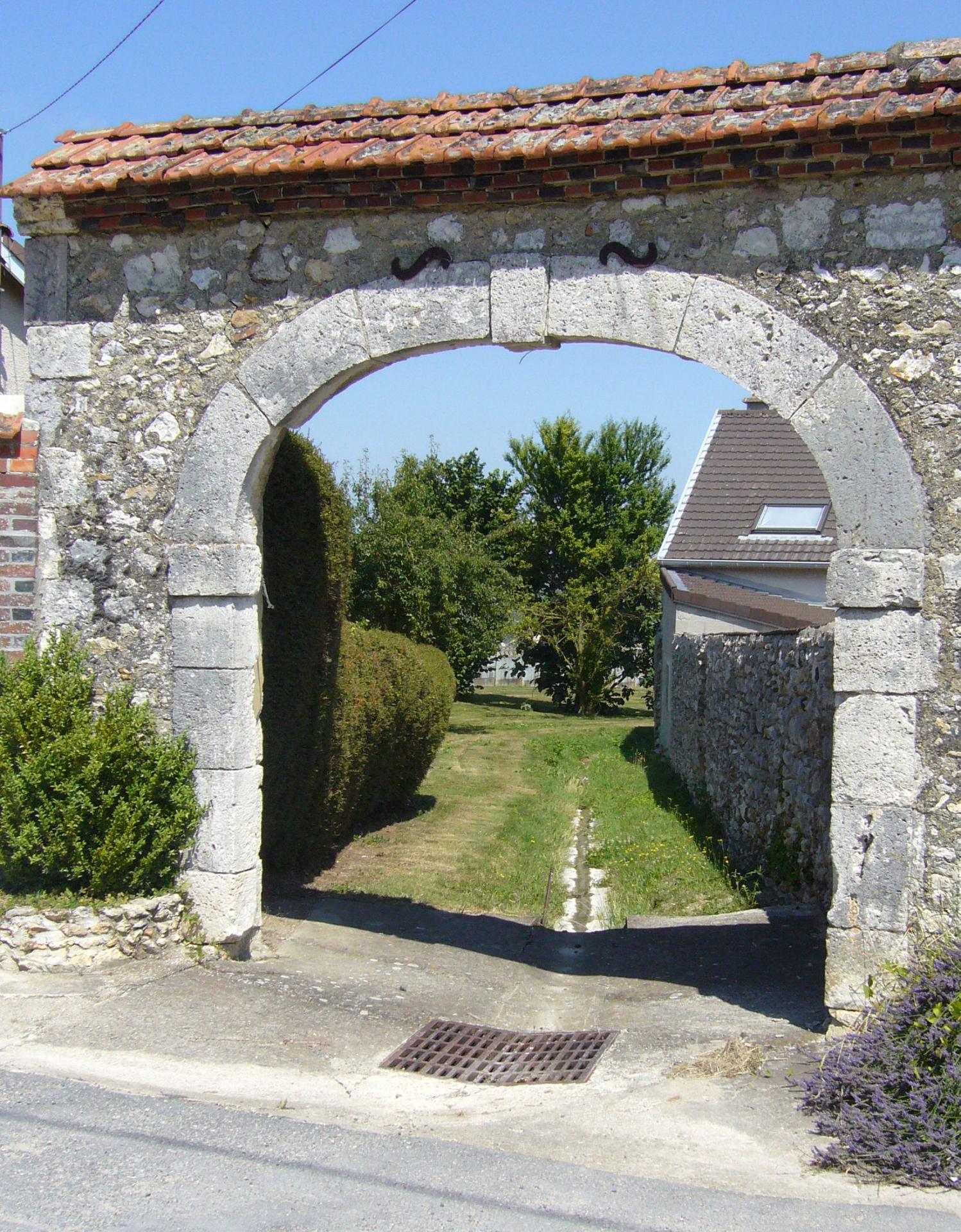 Portail (Les Bourgs)